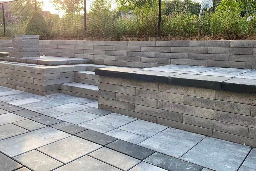 列治文山后院铺砖